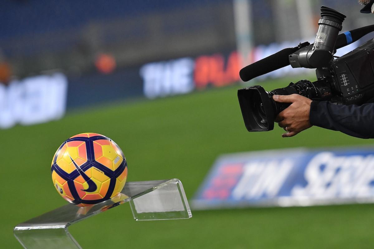 Tv Cameraman and official Serie A Ball  Roma 26-10-2016  Stadio Olimpico  Football Calcio Serie A 2016/2017 Lazio - Cagliari  Foto Andrea Staccioli / Insidefoto